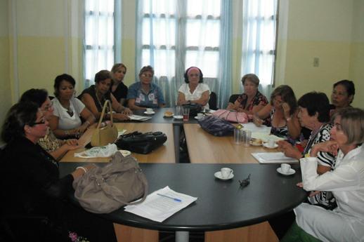 grupo-de-trabajo-de-la-seccion-adolescencia-14-06-20122
