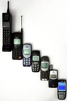Teléfonos celulares o móviles. Imagen: Wikipedia