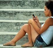 Adolescentes y el abuso de la telefonía móvil