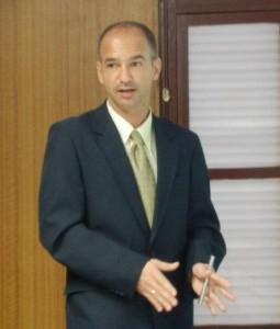 Dr. Javier Barreras González