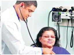medico-auscultando