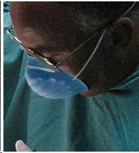 medico-con-nasobuco