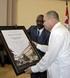 Dr. Roberto Morales recibe reconocimiento para Fidel Castro