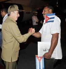 Raúl despide brigada médica lucha contra ébola