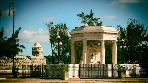 Monumento-27-de-noviembre-2