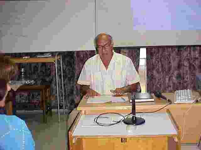 El Prof. Ballester hace la presentación de los resultados del año