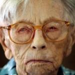 0428-anciana