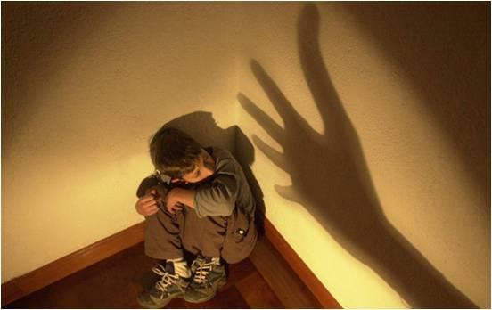 Niño abusado físicamente