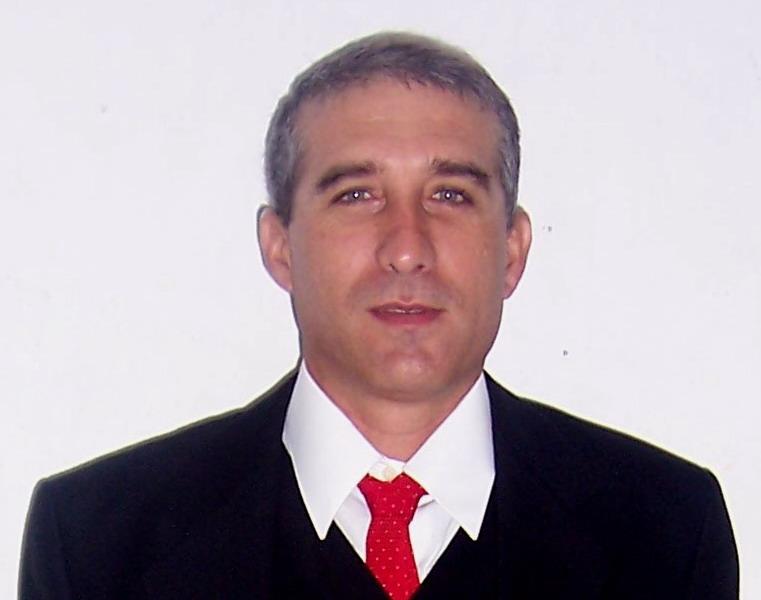 Dr.C. Alberto Piriz Assa