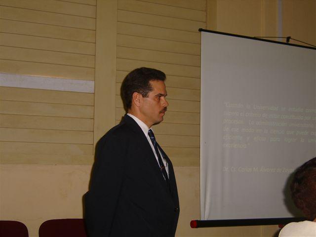 Profesor José L. Aparicio