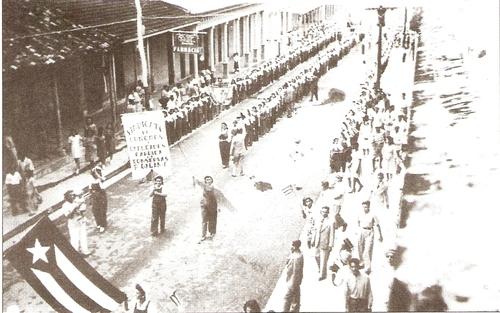 Desfile en la Cuba republicana