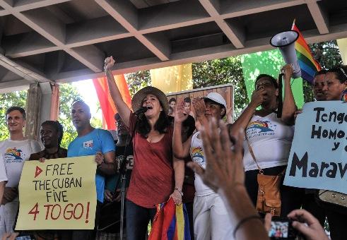 Celebración en Cuba por el Día Internacional contra la Homofobia y la Transfobia 2013. Imagen: Cenesex